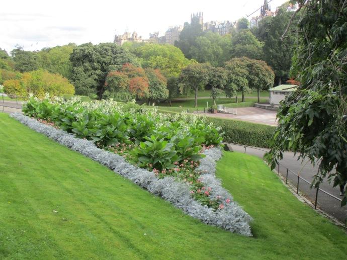 Princes Street Gardens, Edinburgh | Louise Jayne\'s Blog